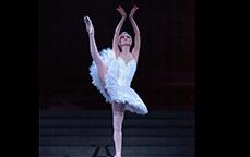 ライブビューイング~パリ・オペラ座へようこそ~バレエ『白鳥の湖』